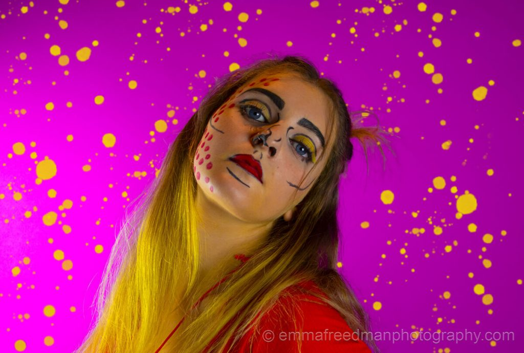 Pop art make-up – Yellow paint