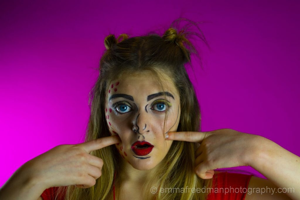 Pop art make-up – Dimples