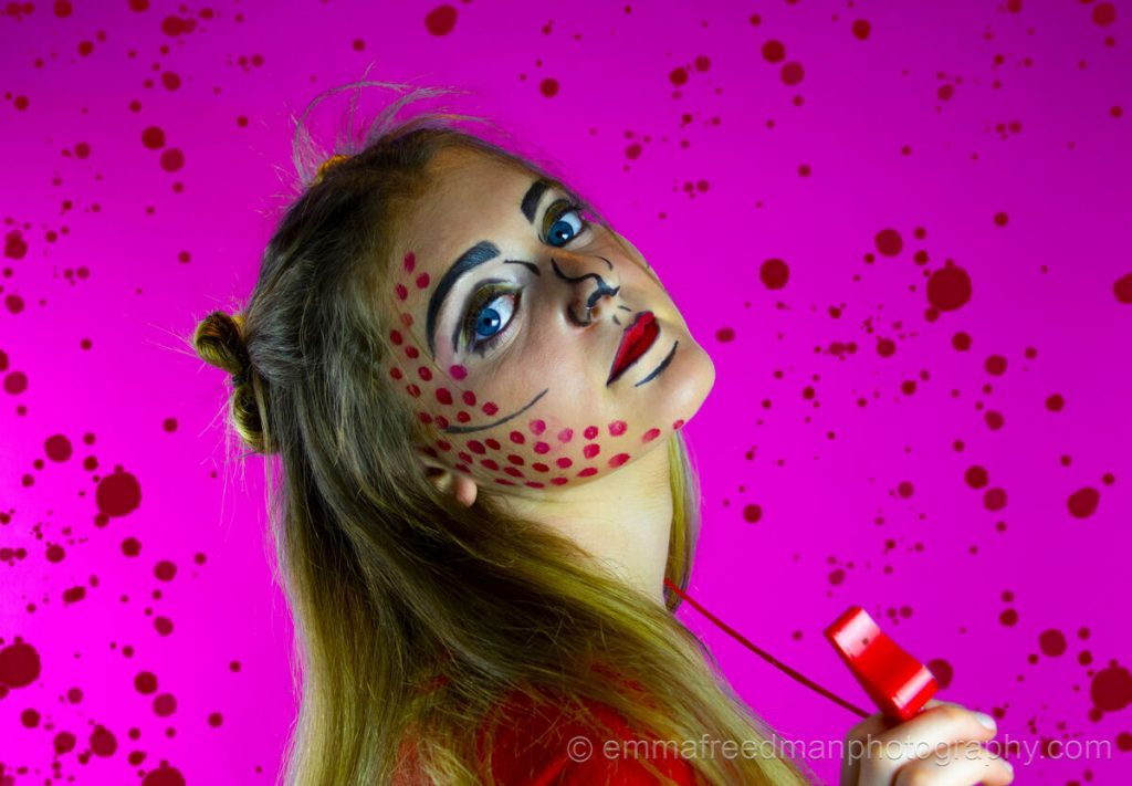 Pop art make-up – Red paint
